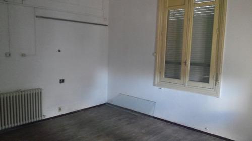 interesante garage, con casona y opción construcción