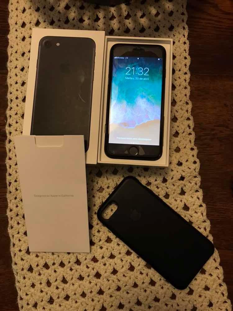 2854f35d2b4 iPhone 7 32gb Solo Para Movistar - U$S 440,00 en Mercado Libre