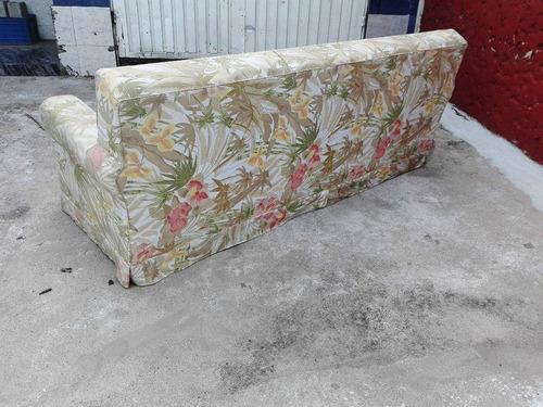j.c- hermoso sofá de tres cuerpos floreado sano impecable