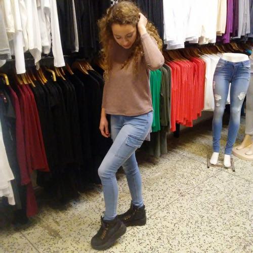 jeans cargos $ 990