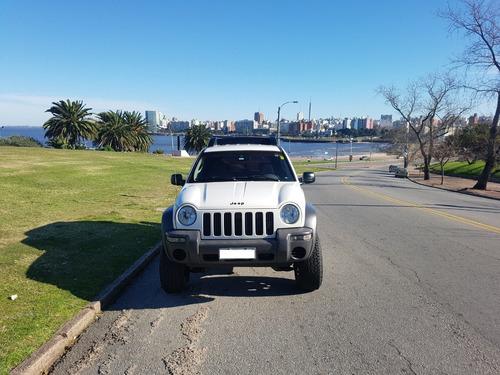 jeep liberty sport 3.7 v6 año 2002 4x2