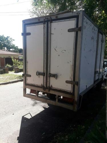 jmc camion con furgon