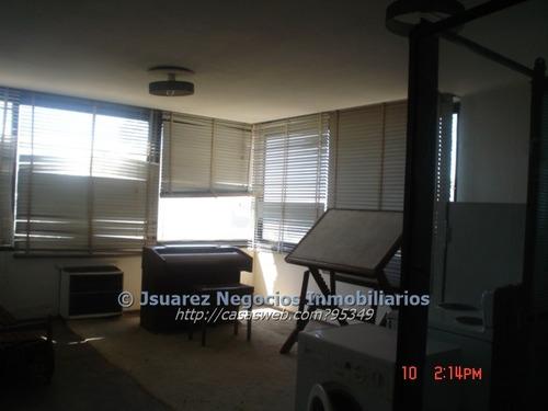 j.s.  4 oficinas juntas piso 10 esq. 18 y r. negro
