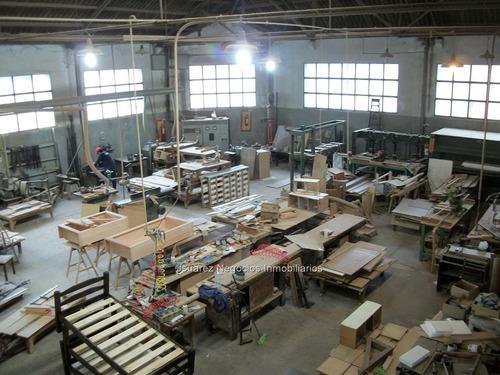 j.s local industrial en la teja
