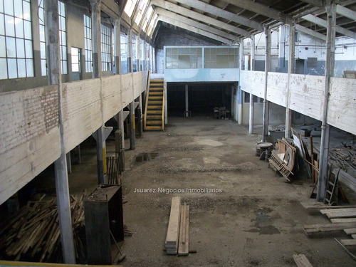 j.s local industrial en tres cruces