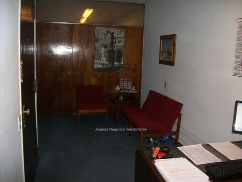 j.s oficina en rincón  casi ituzaingó.