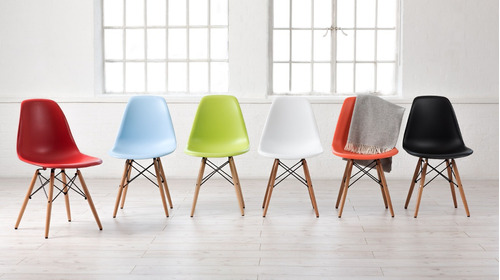 juego de 4 sillas eames con patas de madera varios colores