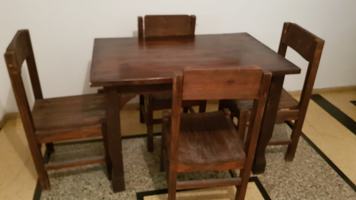 Juego De Comedor, Mesa Y 4 Sillas, En Buen Estado Y Barato - $ 3.100 ...