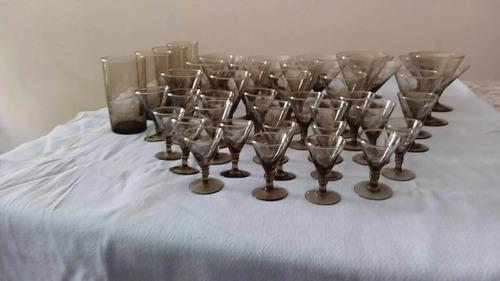 juego de copas antiguo tallado color humo