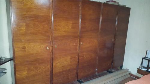 juego de dormitorio años 70s. madera maciza revestid carmica