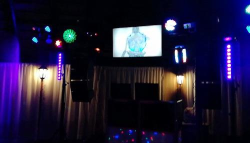 karaoke y discoteca.