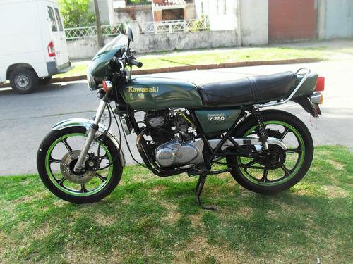 kawasaki 250a  impecable
