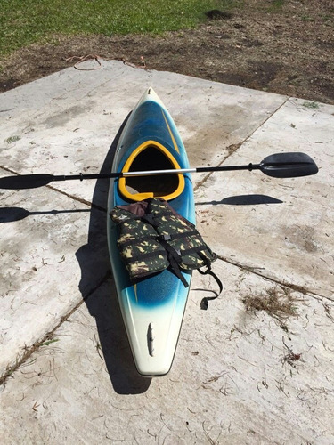 kayak con remo y chaleco