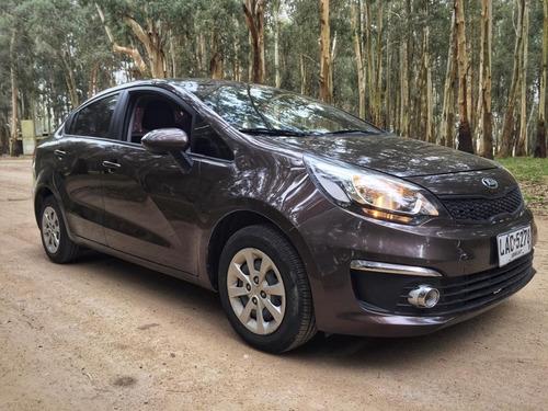 kia rio lx sedan ( kms 90.000 ) único dueño
