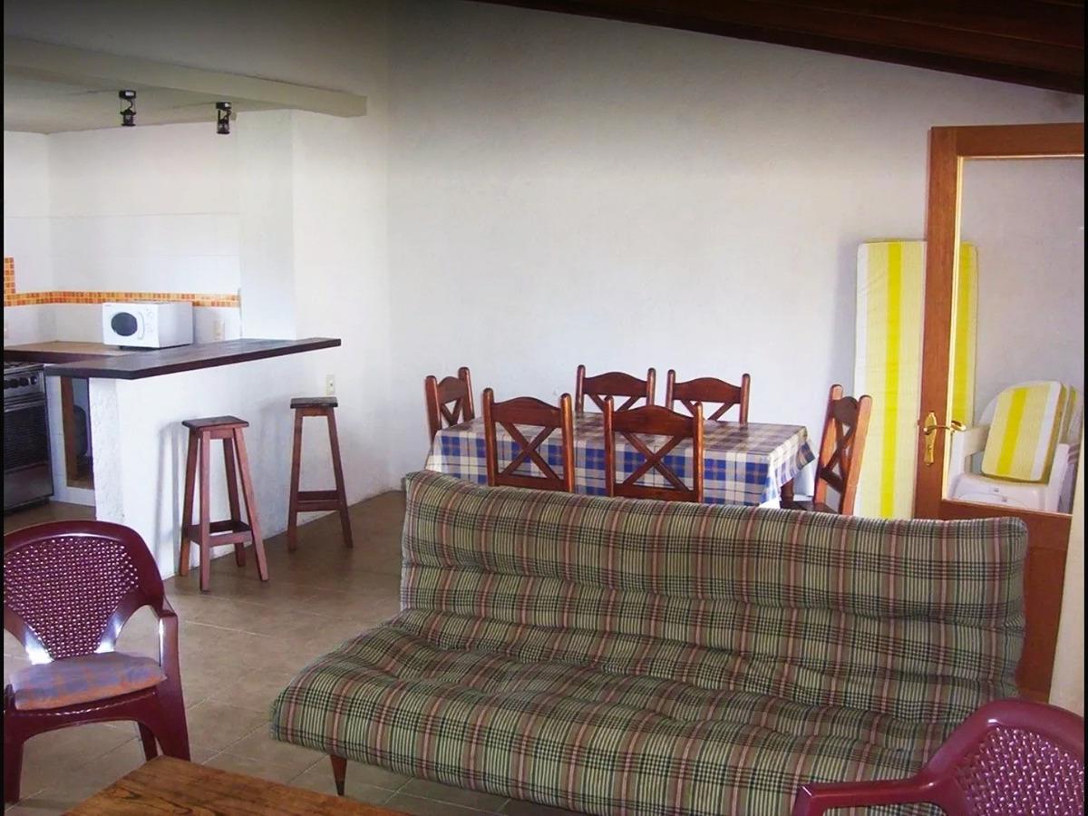 la paloma, balconada, 100 mts del mar. 3 dorm. y 2 baños