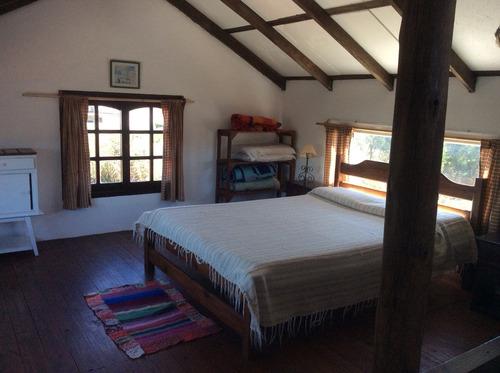 la paloma , casa 2 dormitorios y 1 baño ,frente a los botes