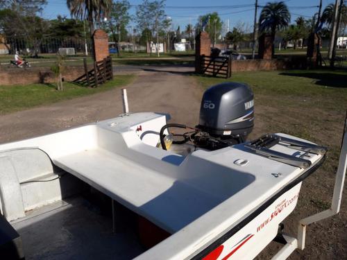 lancha con motor yamaha 60 hp y trailer