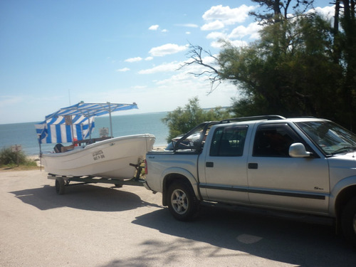lancha de pesca embarcados