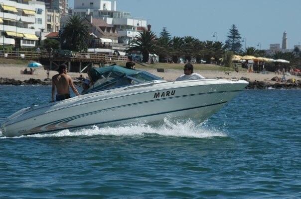 Lancha Sea Ray 210 Sundeck - Motor Mercruiser 250 Hp