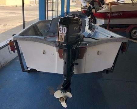 lancha yacare 480 motor parsun 30 hp y trailer...a estrenas