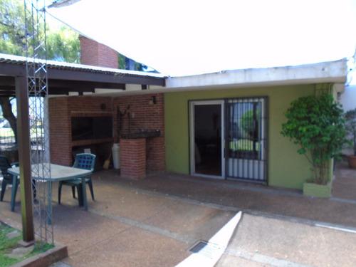 larrañaga y londres barbacoa y parque garaje para 3 deposito