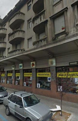 local alquiler galicia y paraguay 300m con 54m de fte.