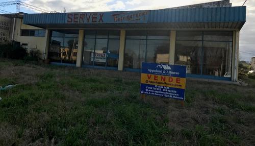 local comercial 950 m2 construidos en nueva helvecia