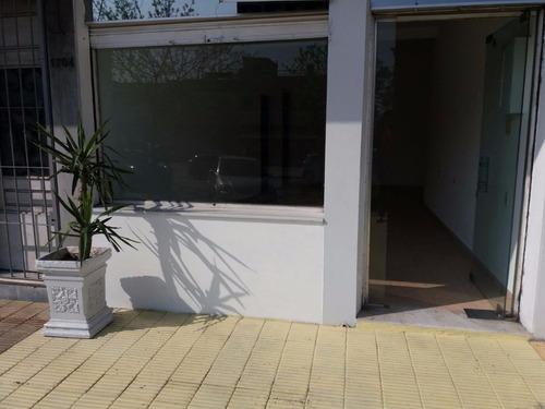 local comercial, actualizado. puede ser vivienda y oficina