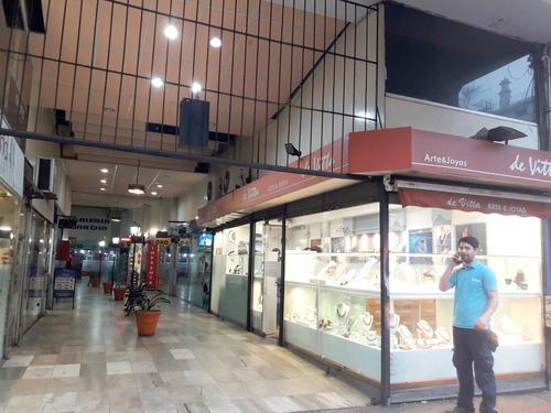 local comercial centro  en venta - galeria jardin ( de julio )