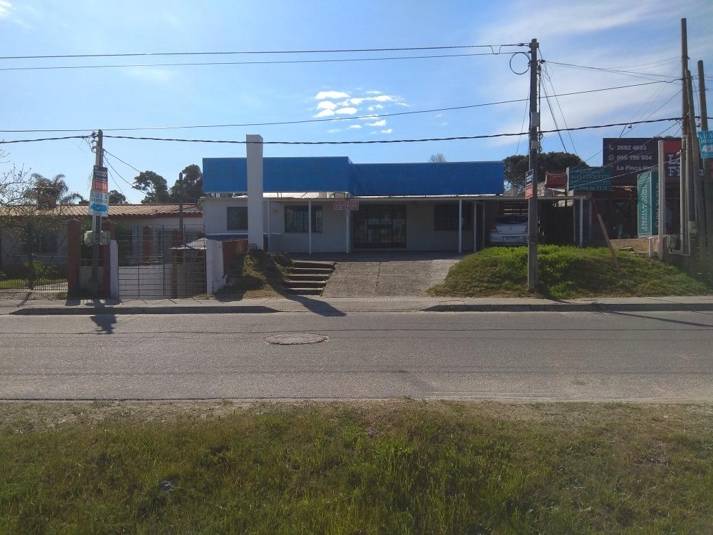 local comercial ciudad de la costa  lagomar.