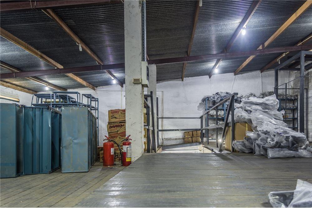 local comercial con deposito sobre giannattasio