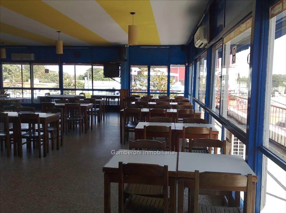 local comercial en av. italia y bolivia