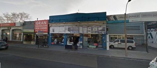local comercial en gral flores esq garibaldi. excelente ubicación.