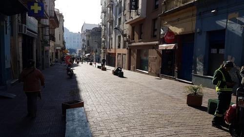 local comercial en pérez castellano con renta. próximo mercado del puerto