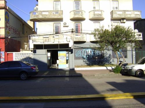 local comercial piriápolis sobre avda piria