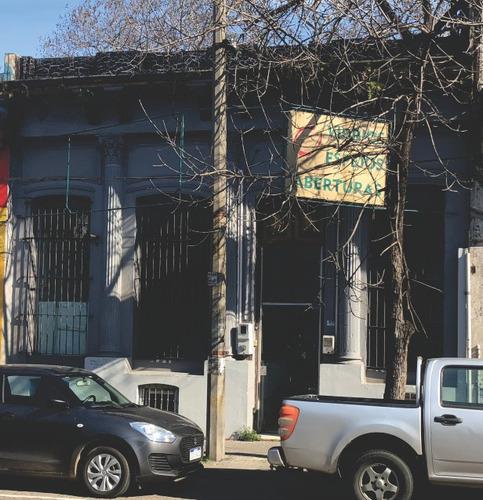 local, cordon, entrada por 2 calles, o terreno para edificar
