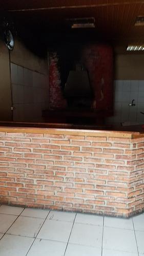 local en esquina, ideal pizzaeria