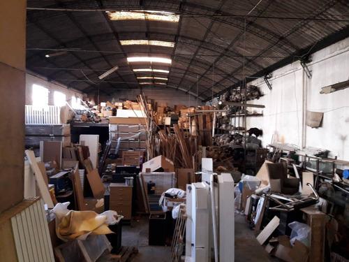 local industrial brazo oriental  en alquiler - av. gral. san martín 3643