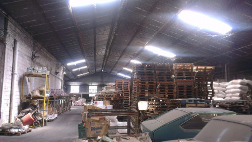 local industrial en la teja