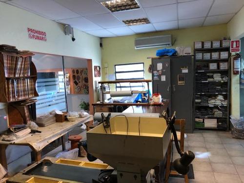 local industrial galpón con buenas oficinas