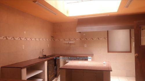 local para dividir en 2 propiedades 2 cocinas y 3 baños