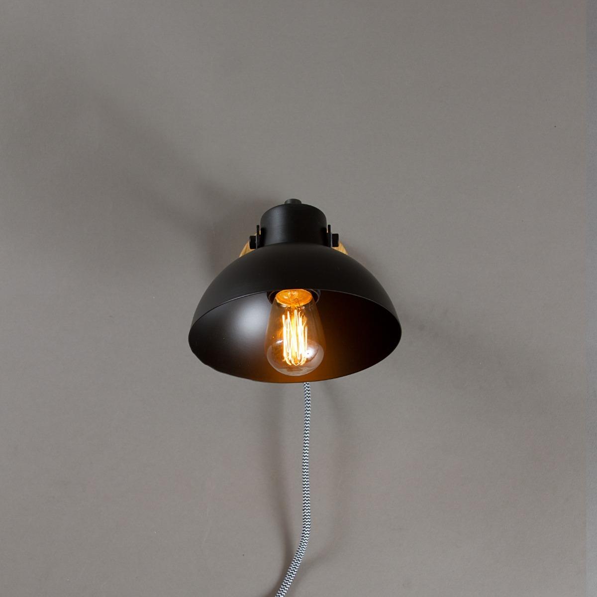 2fbfabd6186 Luminaria De Pared Negra Metal Aplique Simil Madera Zum -   1.250