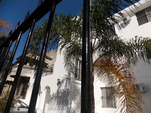 magnifica residencia 3 plantas sobre avenida