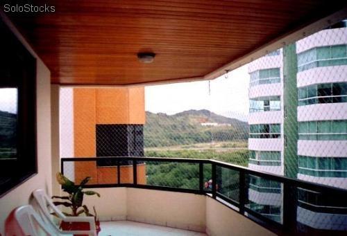 malla proteccion, balcon, ventana, palomas, escalera, fútbol