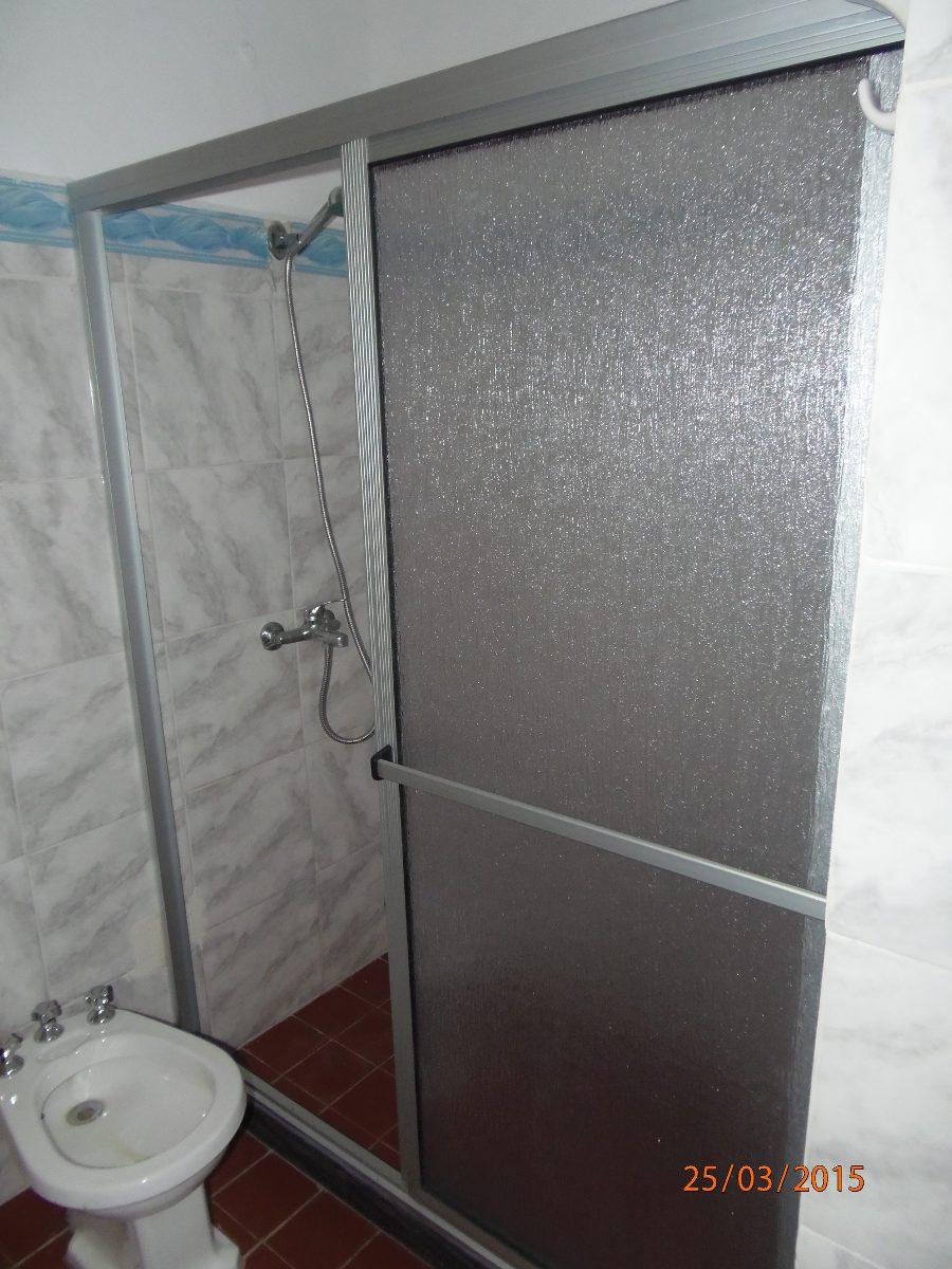 Mamparas de ba o en acrilico cristal colocaciones ventanas - Mamparas de bano online ...