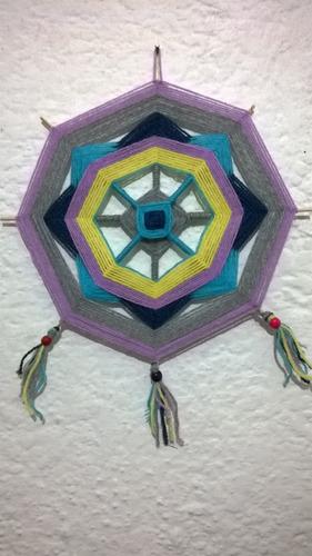mandala en lana,colores a eleccion, vendo o permuto