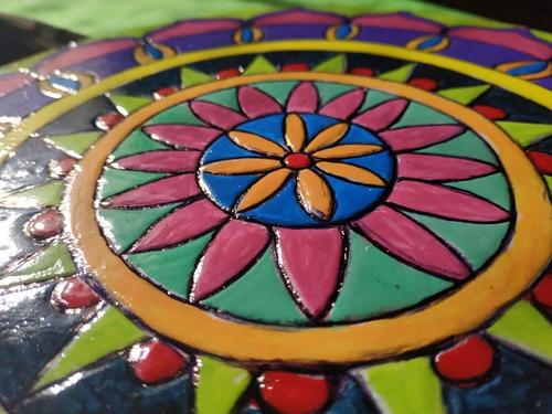 mandala realizado en falso mosaico 25 cm $800. otras medidas