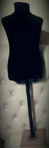 maniquí negro, medio cuerpo. - $ 1.700