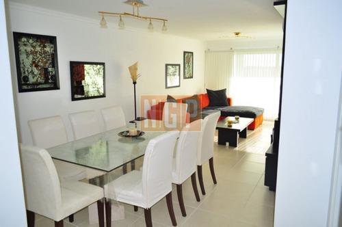 mansa punta del este piso alto con vista al mar! , cómodo y muy luminoso . modenos muebles!   - ref: 9305