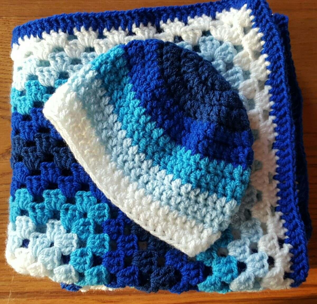 0f4f7b5a78729 mantita y gorro en crochet para bebé recién nacido. Cargando zoom.